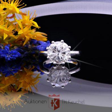 Ring 18K / 750 mit Brillant Solitär 5.03 ct leicht getöntes weiss / P1 Wert ca. € 45.000.-
