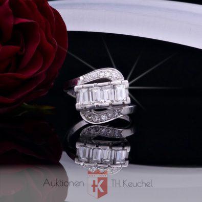 Ring aus Platin und Iridium mit Diamanten